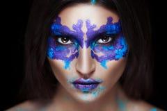 Piękno portret dziewczyna z Rorschach testem na jej twarzy Obraz Royalty Free