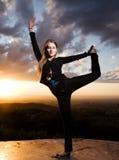 piękno tanczy dziewczyna zmierzch Fotografia Stock