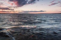 Piękny afterglow w jeziorze Zdjęcia Stock