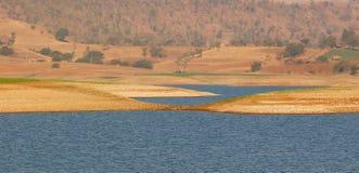 Piękny artystyczny brzeg rzeki Obrazy Royalty Free