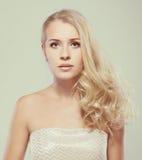 Piękny blondynki kobiety portret Zdjęcia Royalty Free