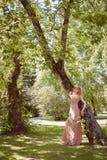 Piękny Boho dziewczyny obsiadanie Obraz Royalty Free
