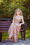 Piękny Boho dziewczyny obsiadanie Fotografia Royalty Free
