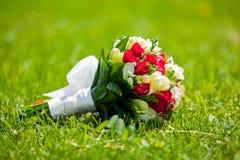 Piękny bukiet jaskrawi kwiaty Obraz Stock