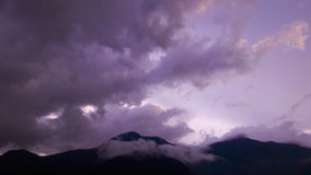 Piękny chmury i gór widok z lotu ptaka Obrazy Stock