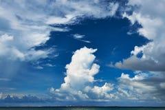 Piękny cloudscape przy Maldives Obrazy Stock