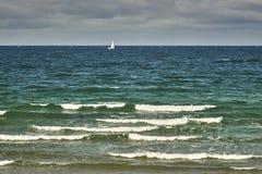 Piękny denny widok, czysta woda & niebieskie niebo, Obraz Stock