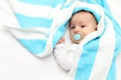 Piękny dziecko z pacyfikatorem Zdjęcie Royalty Free