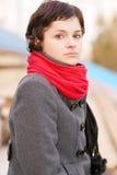 piękny dziewczyny czerwieni szalik Zdjęcia Stock