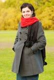 piękny dziewczyny czerwieni szalik Zdjęcie Royalty Free