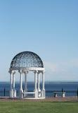 piękny gazebo jeziora Zdjęcia Royalty Free