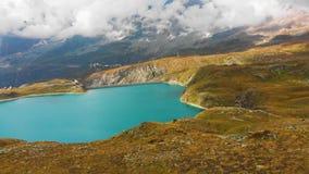 Pi?kny halny jezioro blisko Matterhorn zbiory