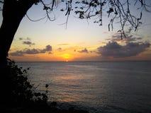 Piękny karaibski zmierzch nad oceanem w Tobago fotografia royalty free