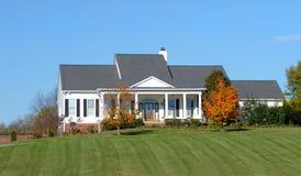 piękny kraj domu wiejskiego, Obraz Royalty Free