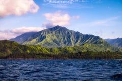 Piękny krajobrazowy widok Na Pali linia brzegowa od oceanu, Ka Fotografia Stock