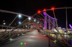 Piękny most przy Marina zatoki terenem Fotografia Royalty Free