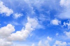 Piękny niebieskie niebo z Coluds Obraz Stock