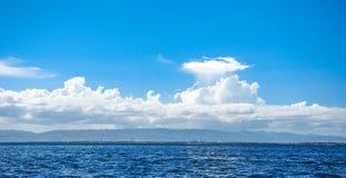 Piękny niebo i ocean Zdjęcia Royalty Free