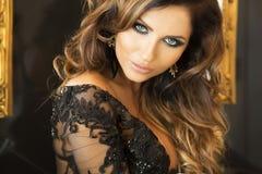 Piękny portret elegancka kobieta. Obraz Royalty Free