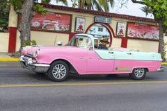 Piękny retro samochód w Kuba Fotografia Royalty Free