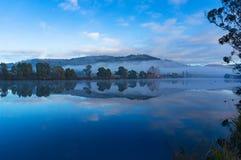 Piękny rzeka krajobraz na spokojnym dniu Obrazy Stock