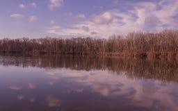 Piękny sceniczny widok jezioro zdjęcie royalty free