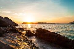 Piękny seascape blisko Dubrovnik w Adriatyckim morzu przy zmierzchem Fotografia Royalty Free
