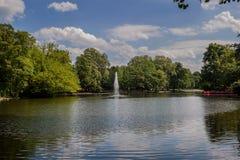 Piękny Volksgarten park w Kolonia Zdjęcie Stock