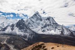 Piękny widok Ama Dablam halny szczyt dalej Obraz Royalty Free