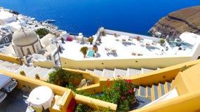 Piękny widok domy na Santorini wyspie i morze Zdjęcia Royalty Free