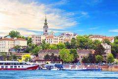 Piękny widok historyczny centrum Belgrade na bankach Sava rzeka, Serbia Obrazy Stock