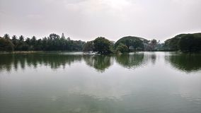 Piękny widok jezioro w lal bagh, Bengaluru indu obraz stock