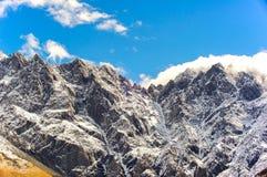 Piękny widok Kaukaz góry, Gruzja Zdjęcia Royalty Free