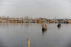 Piękny widok przy Dal Jeziorny Kaszmir, India podczas zimy Fotografia Stock