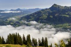 Piękny widok ranek wysokogórska dolina Obrazy Stock