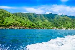 Piękny widok Taganga zatoka Santa Marta, perfect harmonia w, naturze, górach i morzu w Kolumbia, Zdjęcie Stock