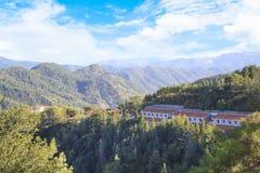 Piękny widok Trooditissa monaster w Cedrowym Dolinnym rezerwacie przyrody w Cypr Obraz Stock