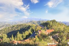 Piękny widok Trooditissa monaster w Cedrowym Dolinnym rezerwacie przyrody w Cypr Obrazy Royalty Free