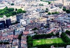 Piękny widok z lotu ptaka Londyn z budynkami i drzewami Fotografia Stock