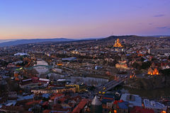 Piękny wieczór widok w starym Tbilisi centrum, Gruzja Obrazy Royalty Free