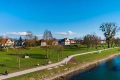 Piękny wiosna park na brzeg rzeki, Rhin, Kehl, Niemcy Obraz Stock