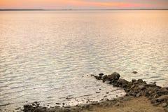 Piękny zmierzch jeziorem Zdjęcie Royalty Free