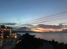 Piękny zmierzch w morzu karaibskim Jamajka zdjęcia royalty free