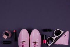 Pięknych kobiet minimalny set mod akcesoria Fotografia Royalty Free
