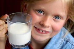 pić mleko Obrazy Stock