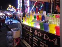 Pić sklepowego, Ulicznego jedzenie, Buddha festiwal, Samutprakarn, Tajlandia zdjęcie stock