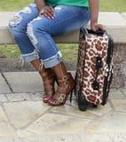 Pięty i walizka fotografia stock