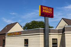 Pi Wayne - vers en août 2017 : Wells Fargo Retail Bank Branch Wells Fargo est un fournisseur des services financiers XII Photos stock