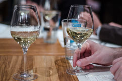 Pić wino Fotografia Royalty Free