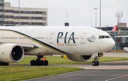 PIA Airlines Boeing 777 Arkivfoto